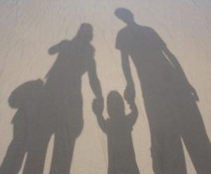 декларация за извеждане на дете в чужбина. Адвокат в Пловдив
