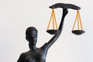 Абсолютната давност от 10 г отива в Конституционния съд.