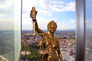 Защита от адвокат по кредит. Добър адвокат в Пловдив и София