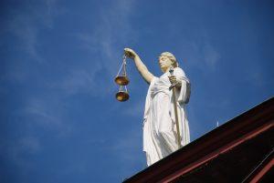 Конституционен съд на Германия и България – пълен дисонанс за машинния вот
